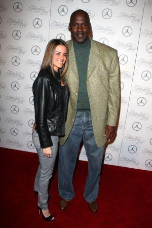 nouveau concept 38deb d5544 Ses femmes - Histoire de Michael Jordan